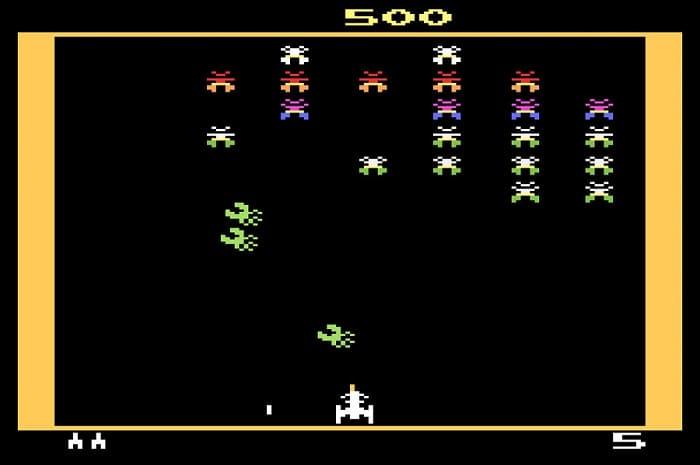 Atari 2600 Galaxian-min